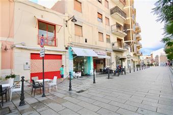 Locale commerciale in Piazza Regina Margherita, Olbia