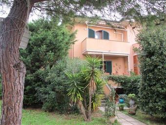 Terratetto, Castiglioncello, Rosignano Marittimo, in ottime condizioni
