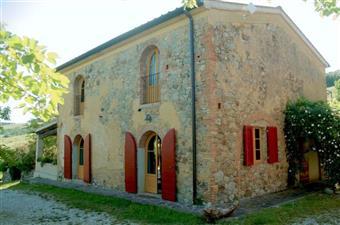 Colonica, Lajatico, ristrutturata