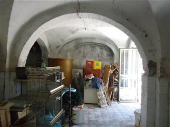 Locali commercialiFirenze - Locale commerciale, Gambassi Terme, da ristrutturare