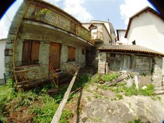 Appartamento indipendente in Vico Soprano 22, Rezzoaglio