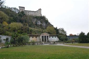 Villa in Viale Della Repubblica, Angera