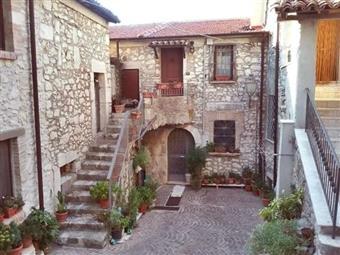 Casa semi indipendente, Terra, Castelnuovo Parano, ristrutturato