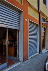 Negozio in Via Isonzo, Centro, Ancona