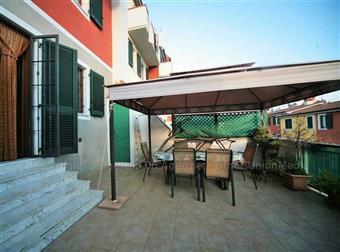 Villa a schiera, Montedivalli, Podenzana, in ottime condizioni