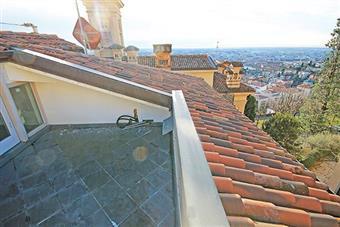 Attico, Bergamo, ristrutturato