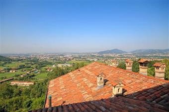Attico, Colli Di Bergamo, Bergamo, ristrutturato