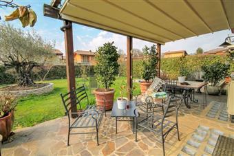 Villa, Longuelo, Bergamo, in ottime condizioni