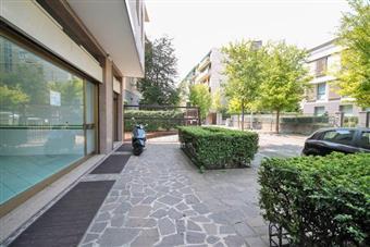 Negozio, Centrale, Bergamo, in ottime condizioni