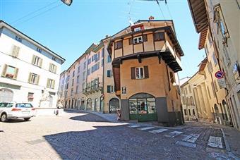 Casa singola, Centrale, Bergamo, ristrutturata