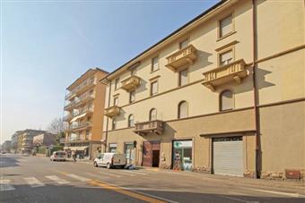 Trilocale, B.go S. Caterina Zona Suardi, Bergamo, ristrutturato