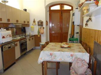 Trilocale, Borgo Del Ponte, Massa, abitabile