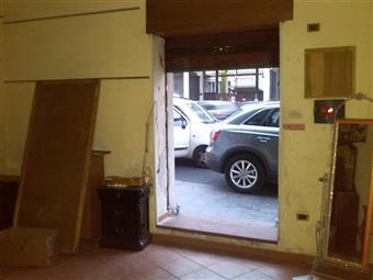 Monolocale in Via Calata Capodichino, Vicaria, Napoli