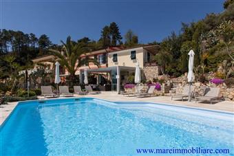 Villa in Collina Vista Mare, Piscina e Parco Mediterraneo, San Terenzo, Lerici