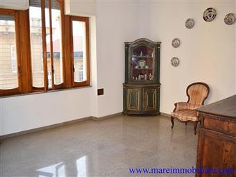 Appartamento in Piazza Verdi In Magnifico Palazzo D'epoca - Box Auto, Centro, La Spezia