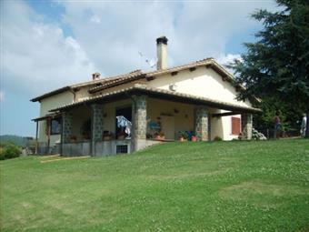 Villa, Trevignano Romano, seminuova