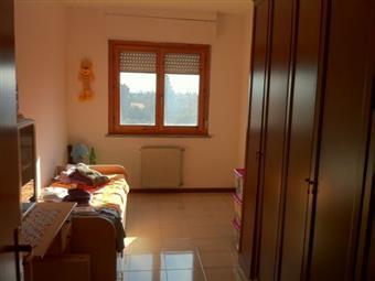 Villa a schiera, Anguillara Sabazia, in ottime condizioni