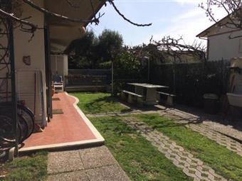 Villa a schiera, Quercioli,rinchiostra, Massa, abitabile