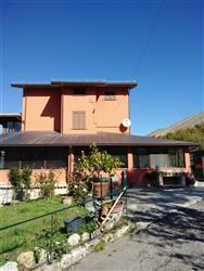 Villa in Via Strada Comun. Ort. Carrito, Ortona Dei Marsi