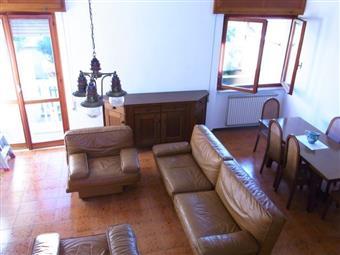 Villa a schiera, Quercioli, Massa, abitabile