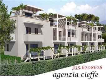 Villa a schiera, Marina Di Massa, Massa, in nuova costruzione