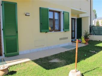 Appartamento indipendente, Marina Di Massa, Massa, seminuovo