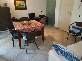 Appartamento, Marina Di Massa, Massa, seminuovo