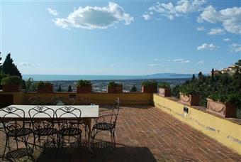 Villa, Mommio, Massarosa, in ottime condizioni