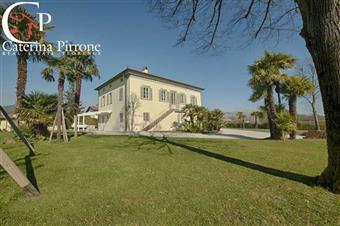 Villa, Sant'anna, Lucca, in ottime condizioni