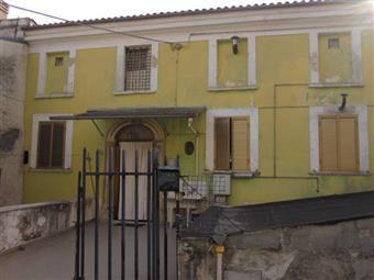 Appartamento indipendente in Via San Rocco,12, Torre De' Passeri