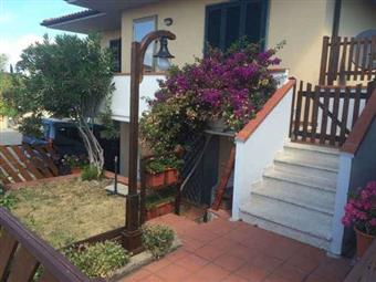 Appartamento in Via Del Commercio, Riparbella