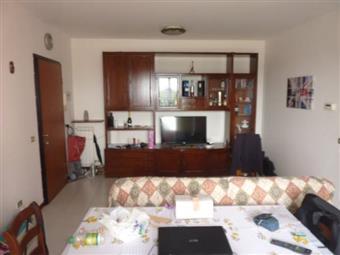 Bilocale in Via Cardano  11, Linarolo