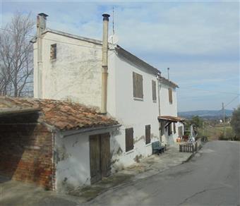Rustico casale, Montemaggiore Al Metauro, da ristrutturare