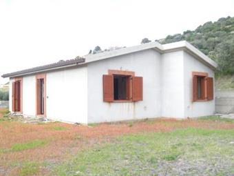 Villa, Magomadas, in nuova costruzione