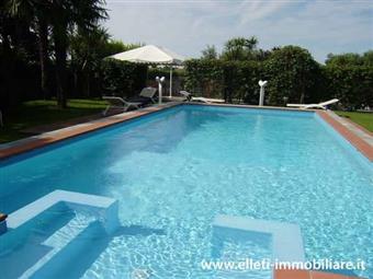 Villa, Marina Di Massa, Massa, in ottime condizioni