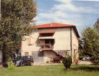 Villa, Castelnovo Di Sotto, abitabile