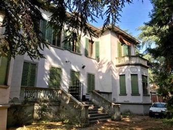 Villa, Centro Storico, Reggio Emilia, da ristrutturare
