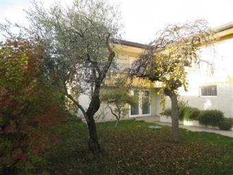 Casa singola in Via Roma, Zane'