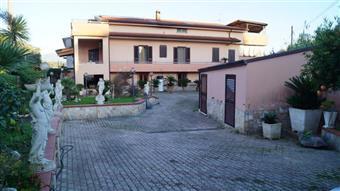 Villa in Via Giardino, Piana Di Monte Verna