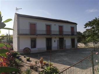Casa singola in Via Provinciale Squille Castel Campagnano, Castel Campagnano