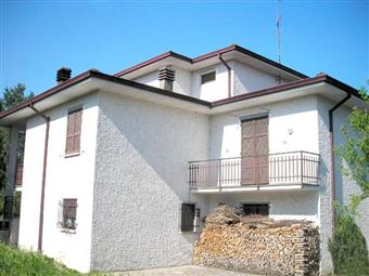 Villa in Strada Trebbia, Tuna, Gazzola