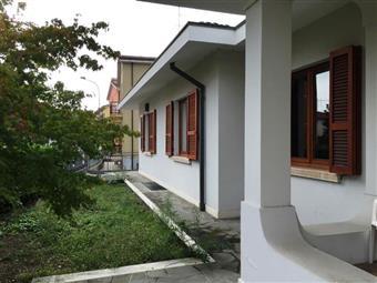 Villa in Via Radini Tedeschi, S. Lazzaro, Piacenza