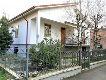 Villa in Via Argine, San Nicolò, Rottofreno