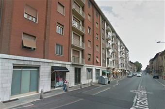 Negozio in Stradone Farnese, Centro Storico, Piacenza