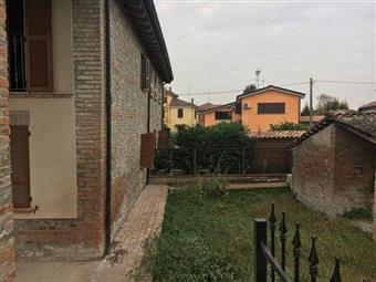 Casa semi indipendente in Via Agazzano, San Nicolò, Rottofreno