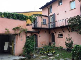 Casa singola in Via Genocchi, Centro Storico, Piacenza