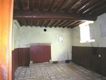 Casa semi indipendente, Arsina, Lucca, da ristrutturare