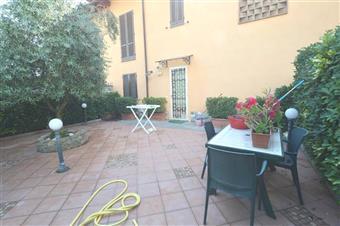 Villa a schiera, Lucca, in ottime condizioni