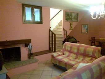 Villa a schiera, San Faustino, Modena, in ottime condizioni