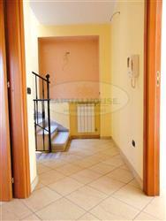 Casa singola in Via Nazionale Appia, Curti